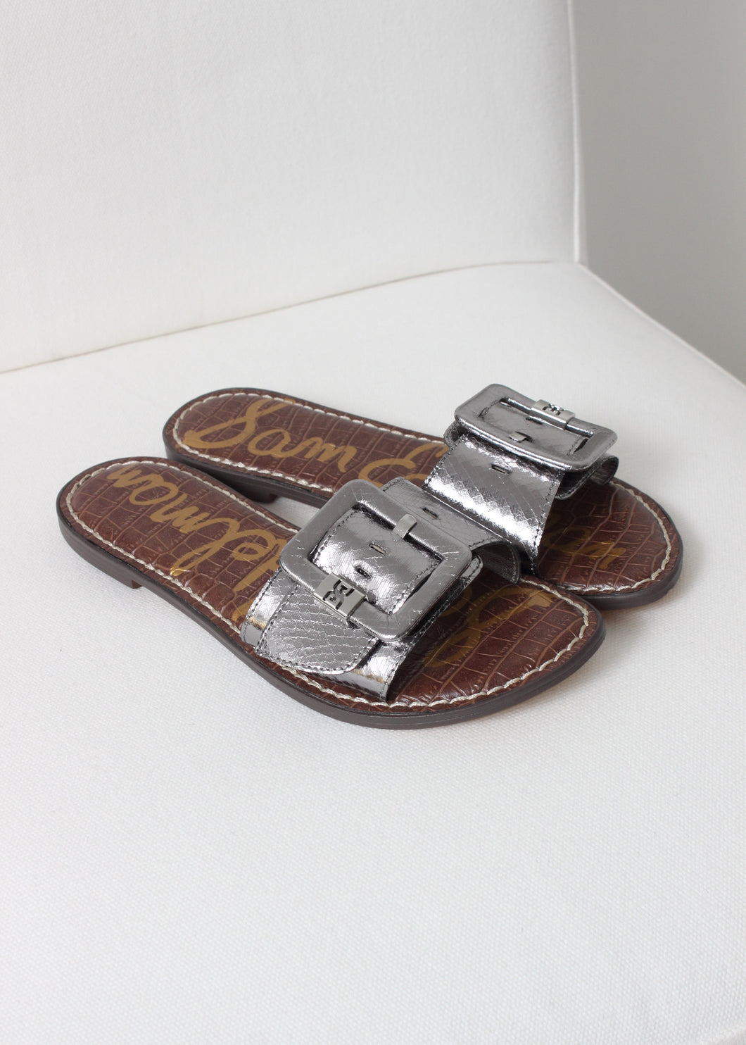 embossed snake buckle slide sandal