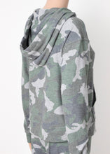 Load image into Gallery viewer, zip hoodie - camo