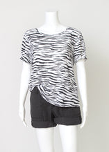 Load image into Gallery viewer, zebra short sleeve tee