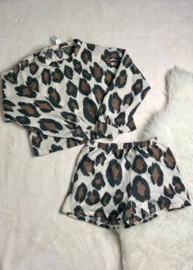 knit leopard pull over top