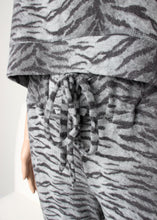 Load image into Gallery viewer, cozy tiger print jogger