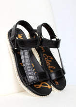 Load image into Gallery viewer, croc sandal studded sole