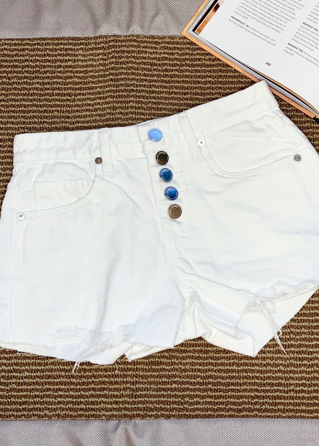 button fly hirise shorts
