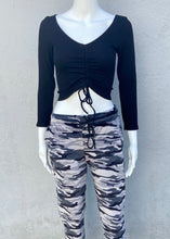 Load image into Gallery viewer, long sleeve ruched rib crop top