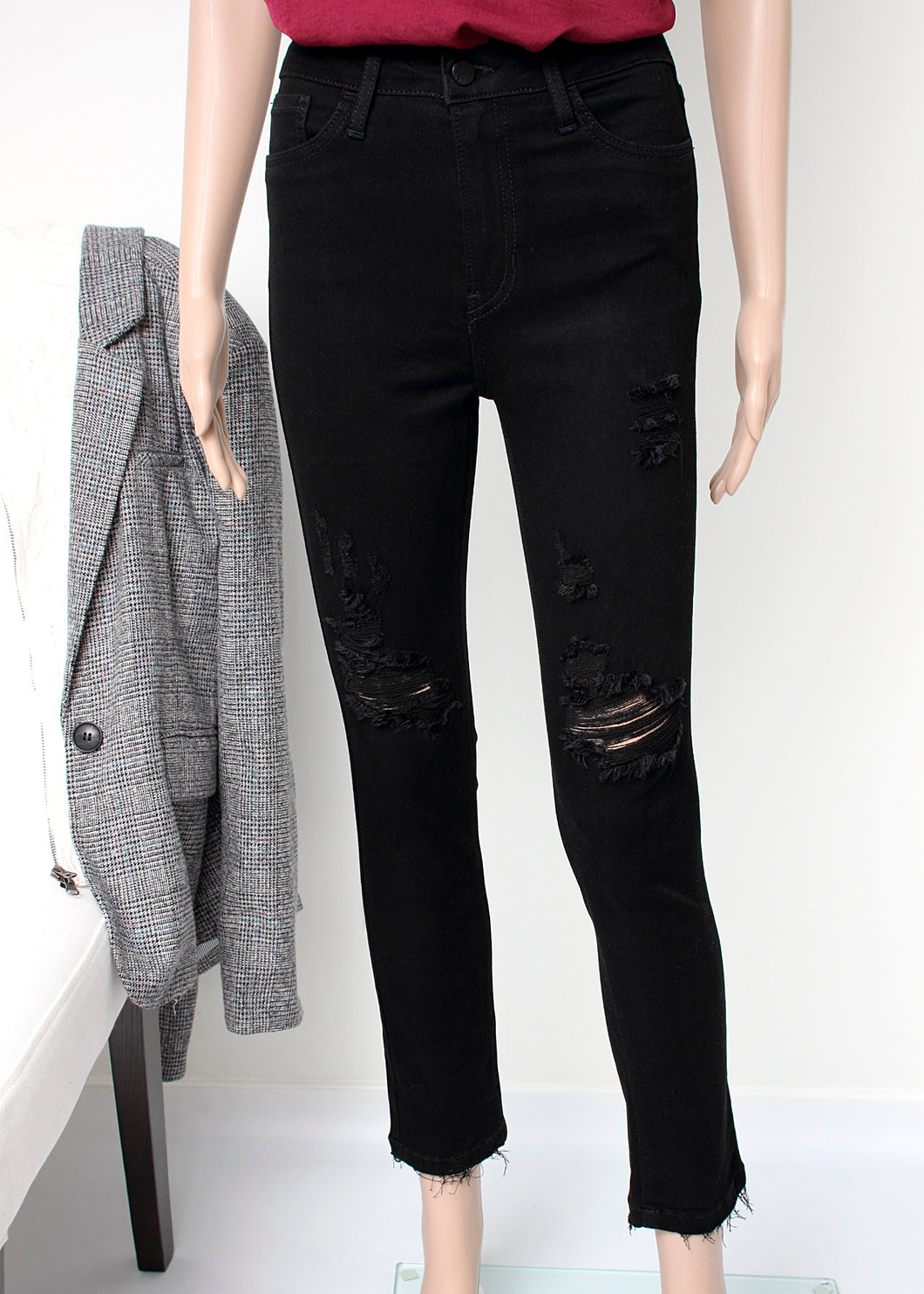 distressed skinny jean black