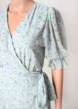 Load image into Gallery viewer, short sleeve floral midi wrap dress