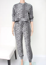 Load image into Gallery viewer, tiger print loungewear