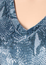 Load image into Gallery viewer, cozy seamed snake v neck top