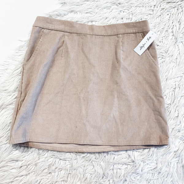 Skylar & Jade Short Skirt Size Large - Bay 7 Bin 213