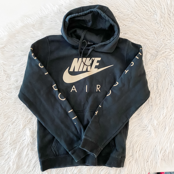 Nike Sweatshirt Size Small - Bay 2 Bin 46