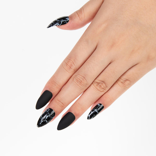alldashingGothChicpressonnails