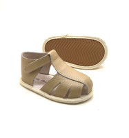 Logan Sandals in Caramel