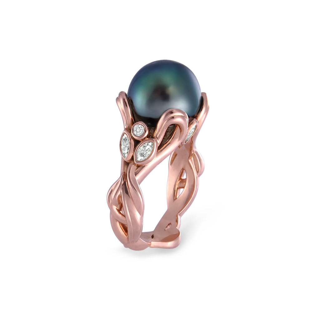 The Titania Ring in 18 karat pink gold with 10 mm Tahitian pearl and VS diamonds. Exquisitely crafted in Montreal to celebrate the queen in you.