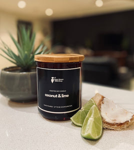 *SCENTED SOY CANDLE XL - Coconut & lime*