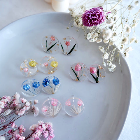 Round Acrylic Resin Dried Flower Earrings