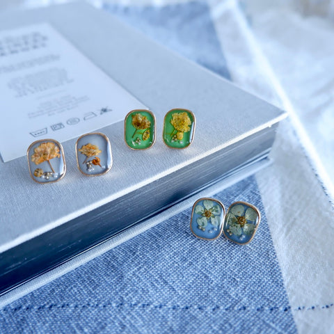 Real Flower Resin Stud Earrings
