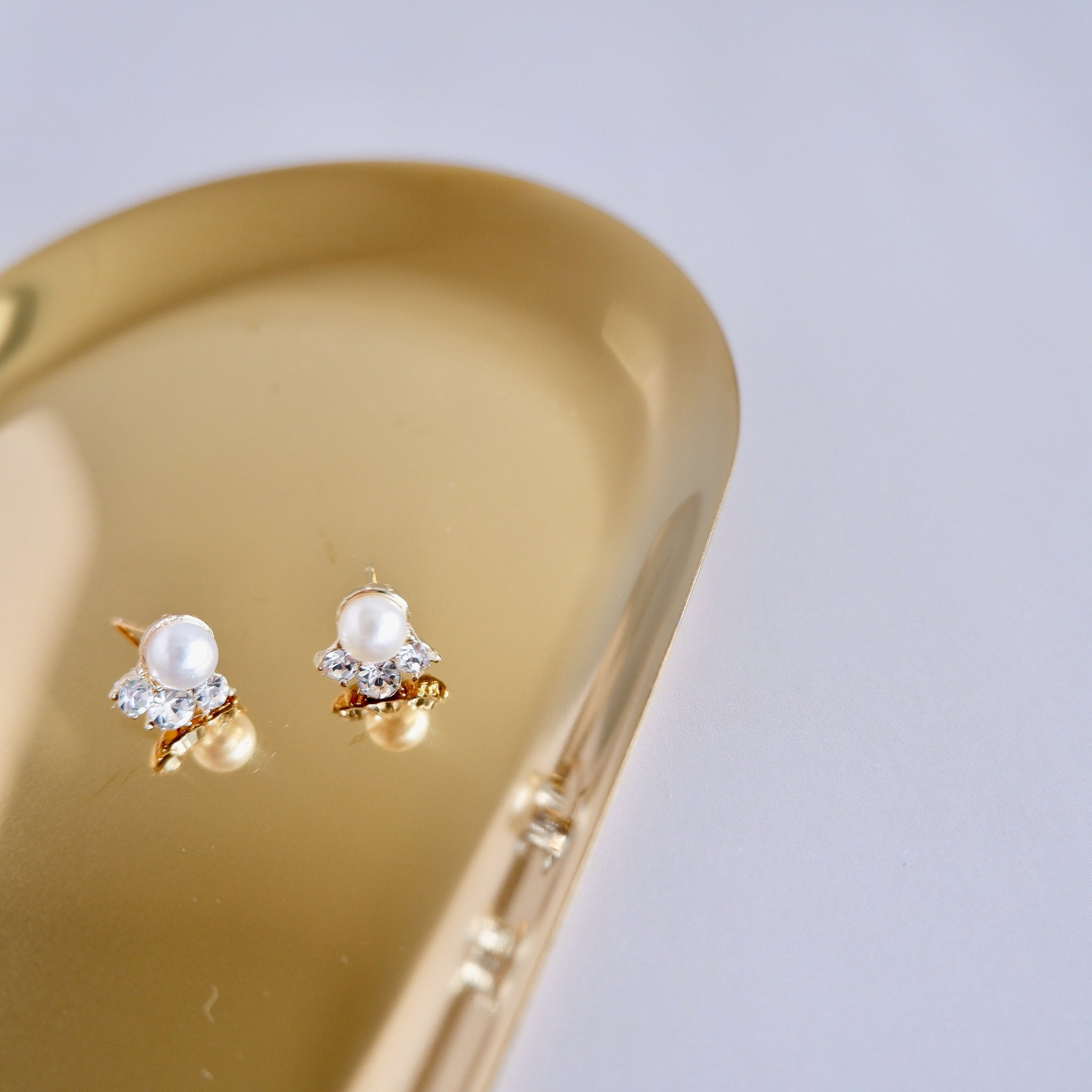 Pearl Crystal Stud Earrings