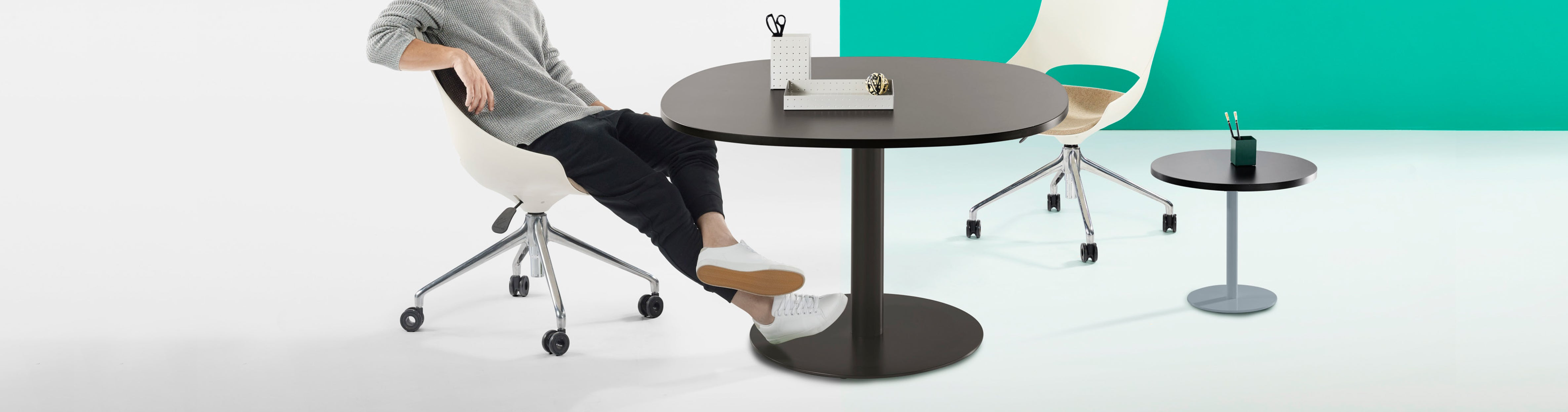Thinking Works Disc Base Table
