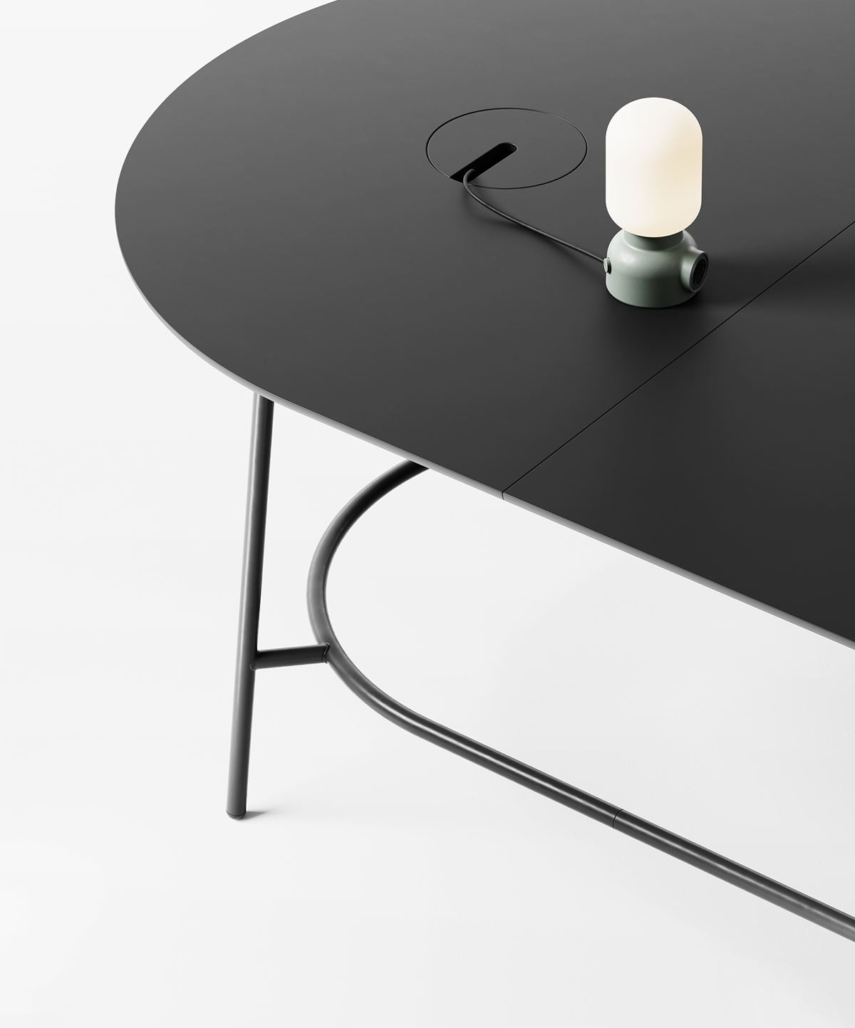 +Halle Nest Low Modular Table System