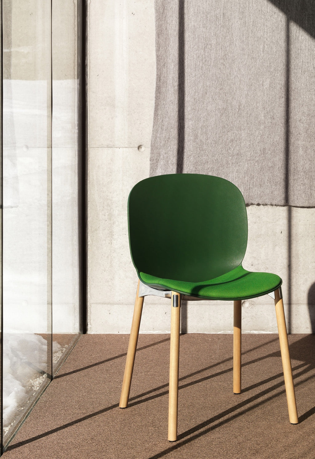 Flokk RBM Noor 6080 Wood Leg Chair