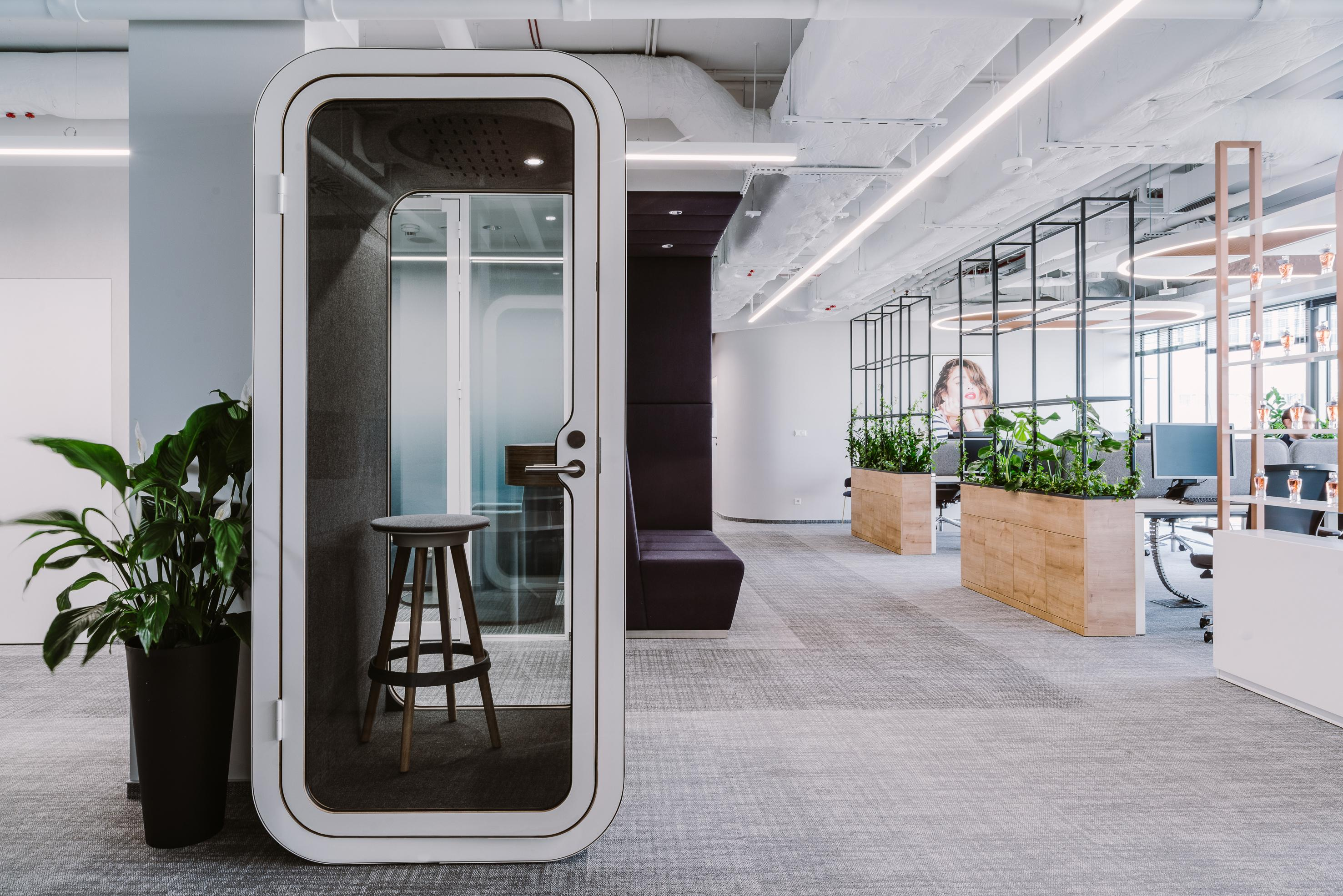 Framery O Phone Booth Meeting Acoustic Pod