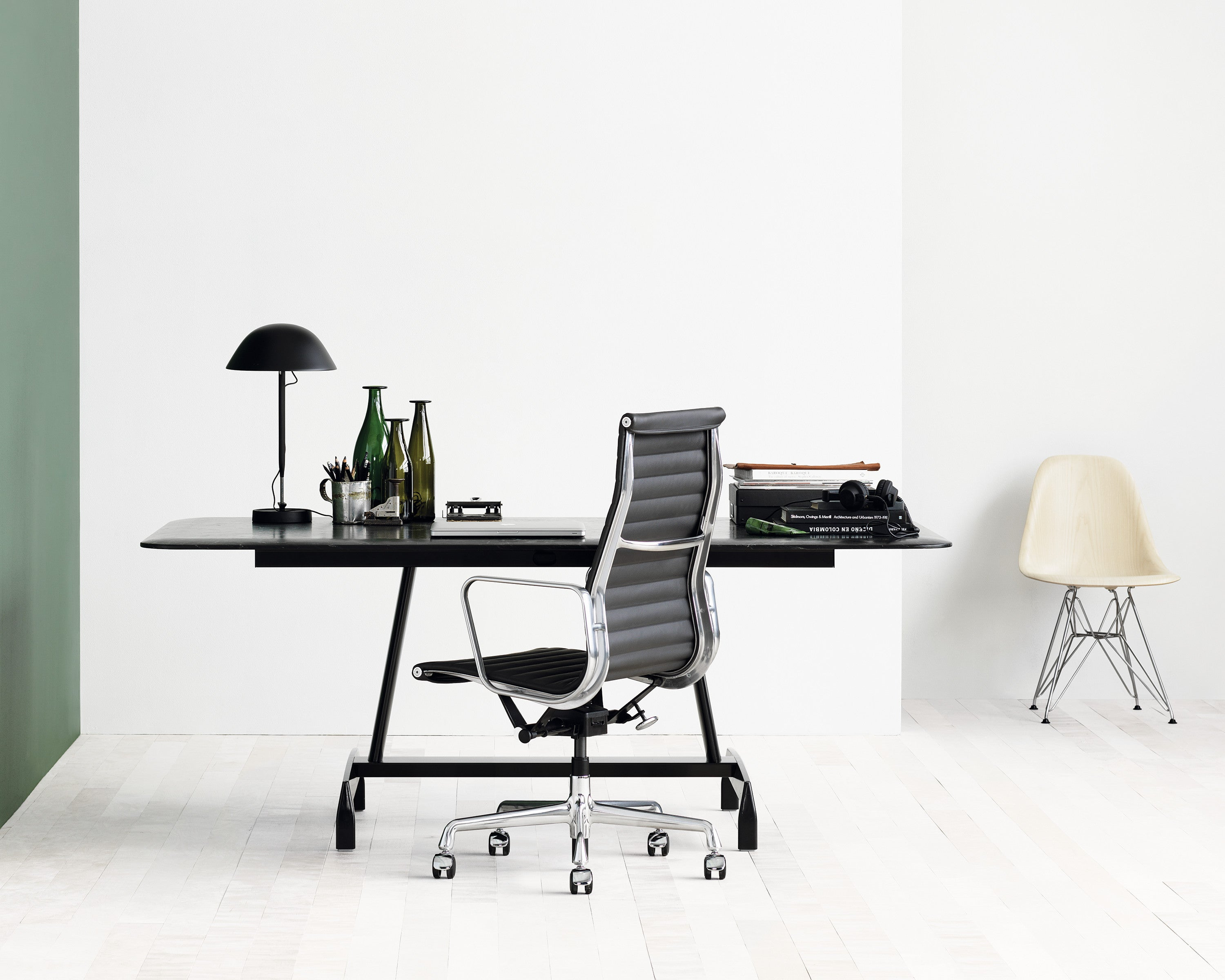 Herman Miller Eames Aluminium Group Office Chair
