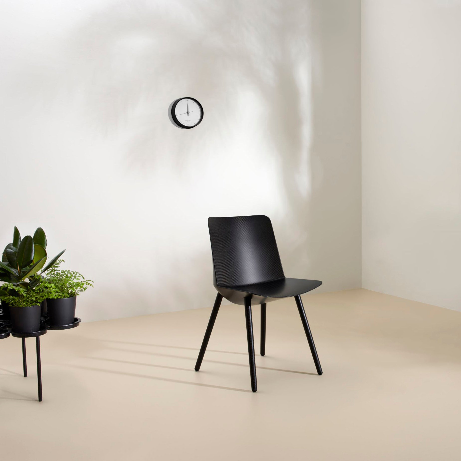 Offecct O2ASIS Green Pads Planter Stand