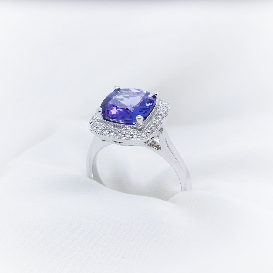 18K Whtie Gold Tanzanite & Diamond Ring - The French Door Jewellers