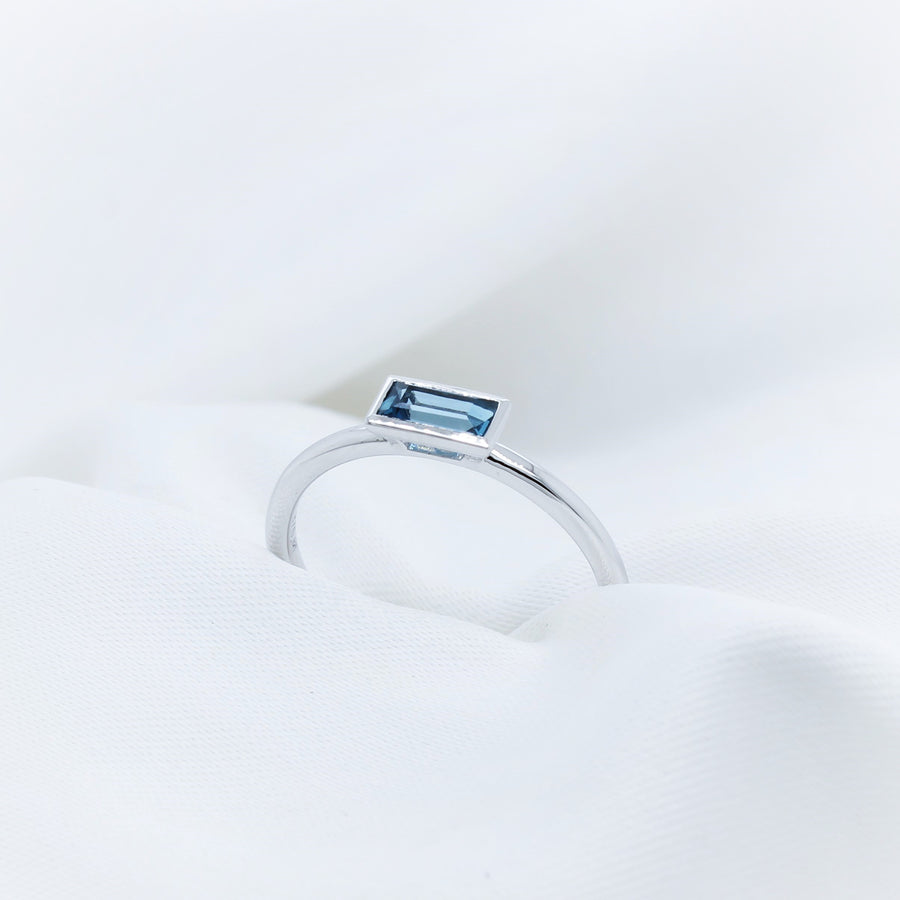9K White Gold London Blue Topaz Ring - The French Door Jewellers