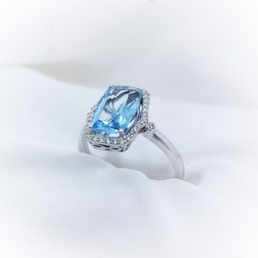 9K White Gold Aquamarine Diamond Ring - The French Door Jewellers