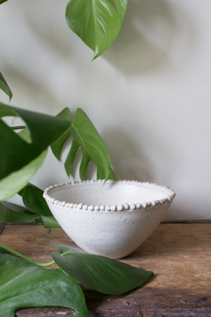String of Pearls: Smooth White Bowl