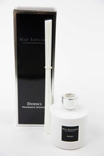 Laden Sie das Bild in den Galerie-Viewer, MAX BENJAMIN - Fragrance Diffuser