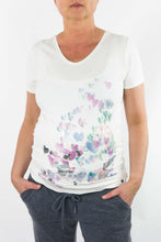 Laden Sie das Bild in den Galerie-Viewer, ESPRIT MATERNITY - Shirt Heart