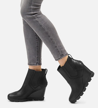 Load image into Gallery viewer, Uptown Joan of Arctic Wedge - 010/BLK