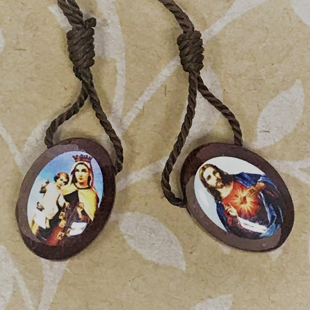 Wooden oval scapular