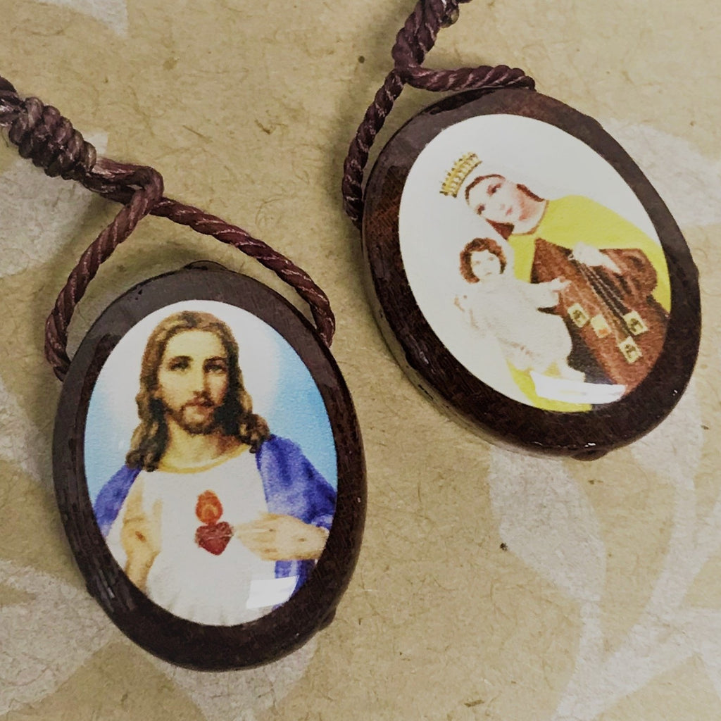 Large Oval Scapular