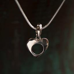 "Heart Necklace on 18"" Snake Chain,,"