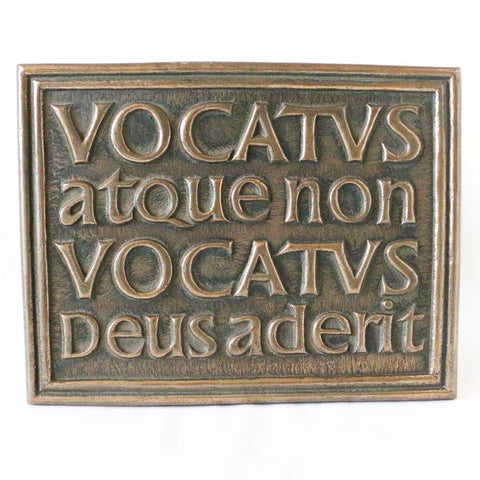 Plaque: Vocatus