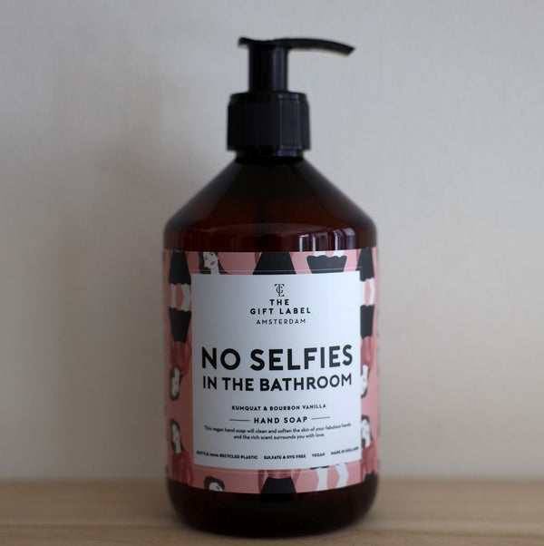 Jetzt im Löffelhase eingetroffen: THE GIFT LABEL Handseife  «no selfies in the bathroom»