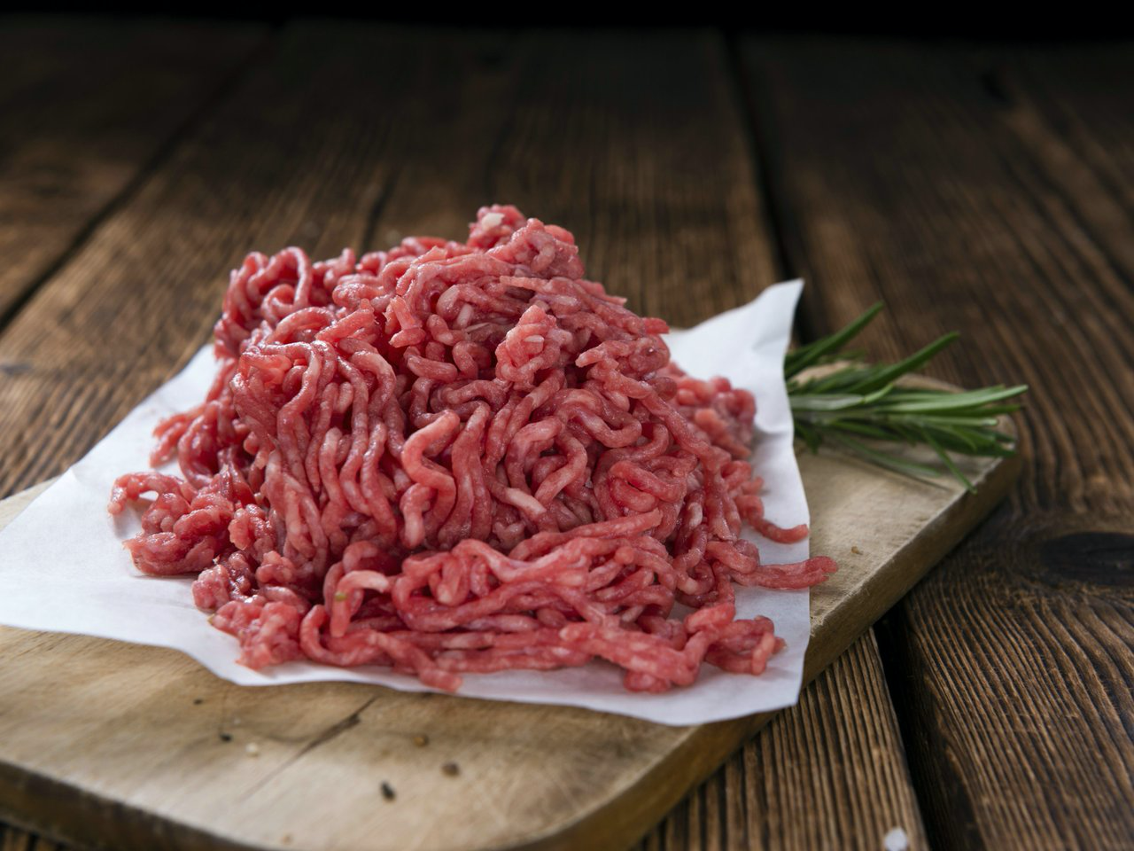 Butcher's Choice 80/20 Ground Beef, 10 LB Case, 4-2.5 LB Cryovacs, $4.50/LB