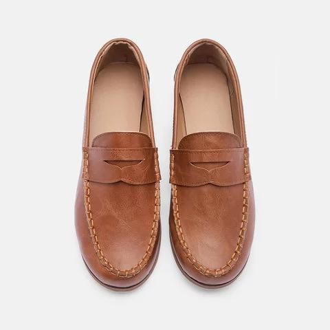 Vintage Leather Splicing Low Heel Slip On Loafers