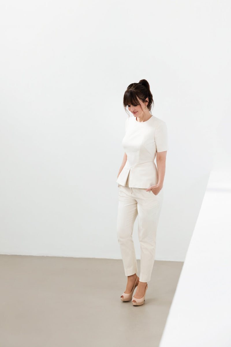 KIRI – Tapered Trousers in Ecru