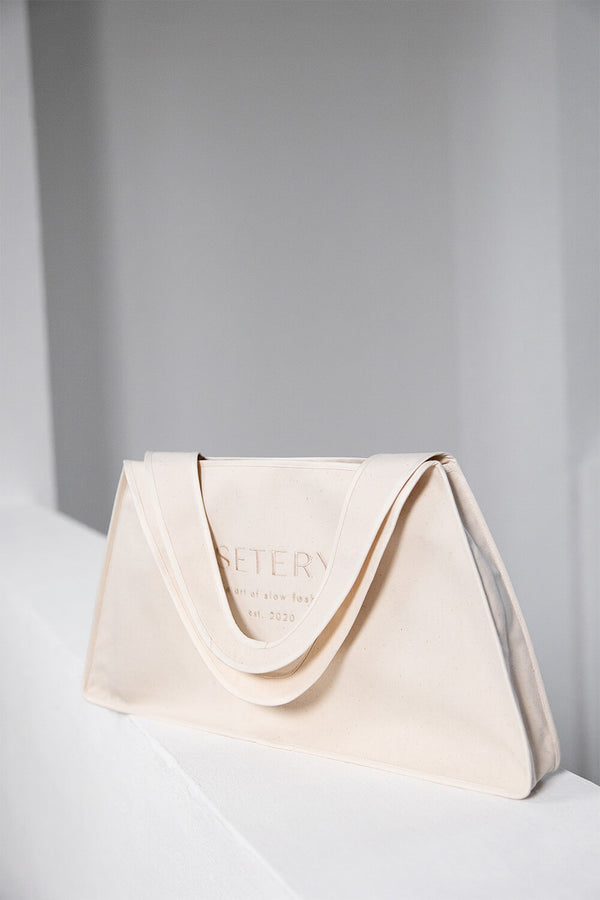 IVY – Triangle Canvas Bag