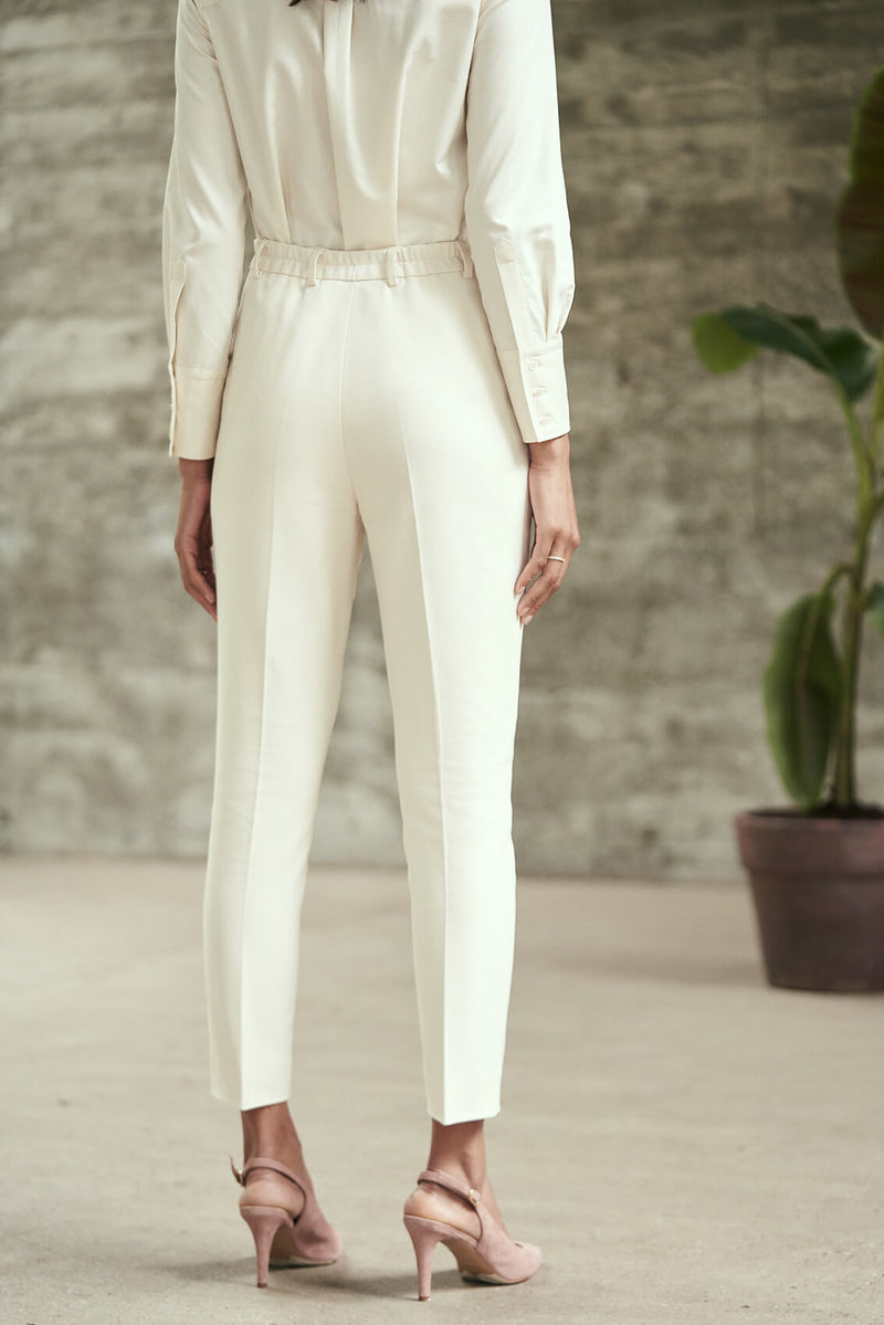 KIRI - Tapered Trousers in Ecru