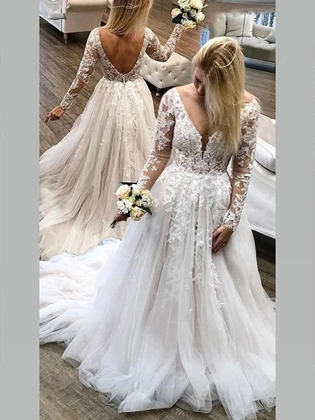 Tulle and Lace Wedding Dress Bridal Gown V Neckline with Long Sleeves MWD016