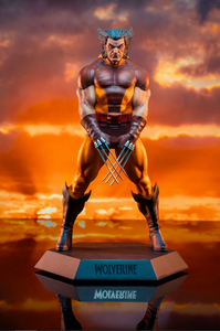 Marvel Collector's Gallery Wolverine 1980 Statue