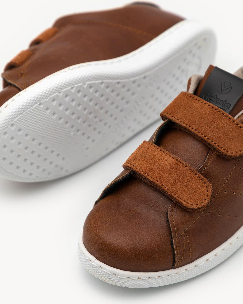 variant_2 | EN Brown Sneaker Shoes Kids Voctoria Shoes | DE Braune Sneaker mit Klettverschluss für Kinder Victoria Shoes