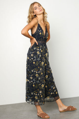 women's sleeveless dark blue floral print lace trim culotte dressy casual jumpsuit. Cute summer outfit.