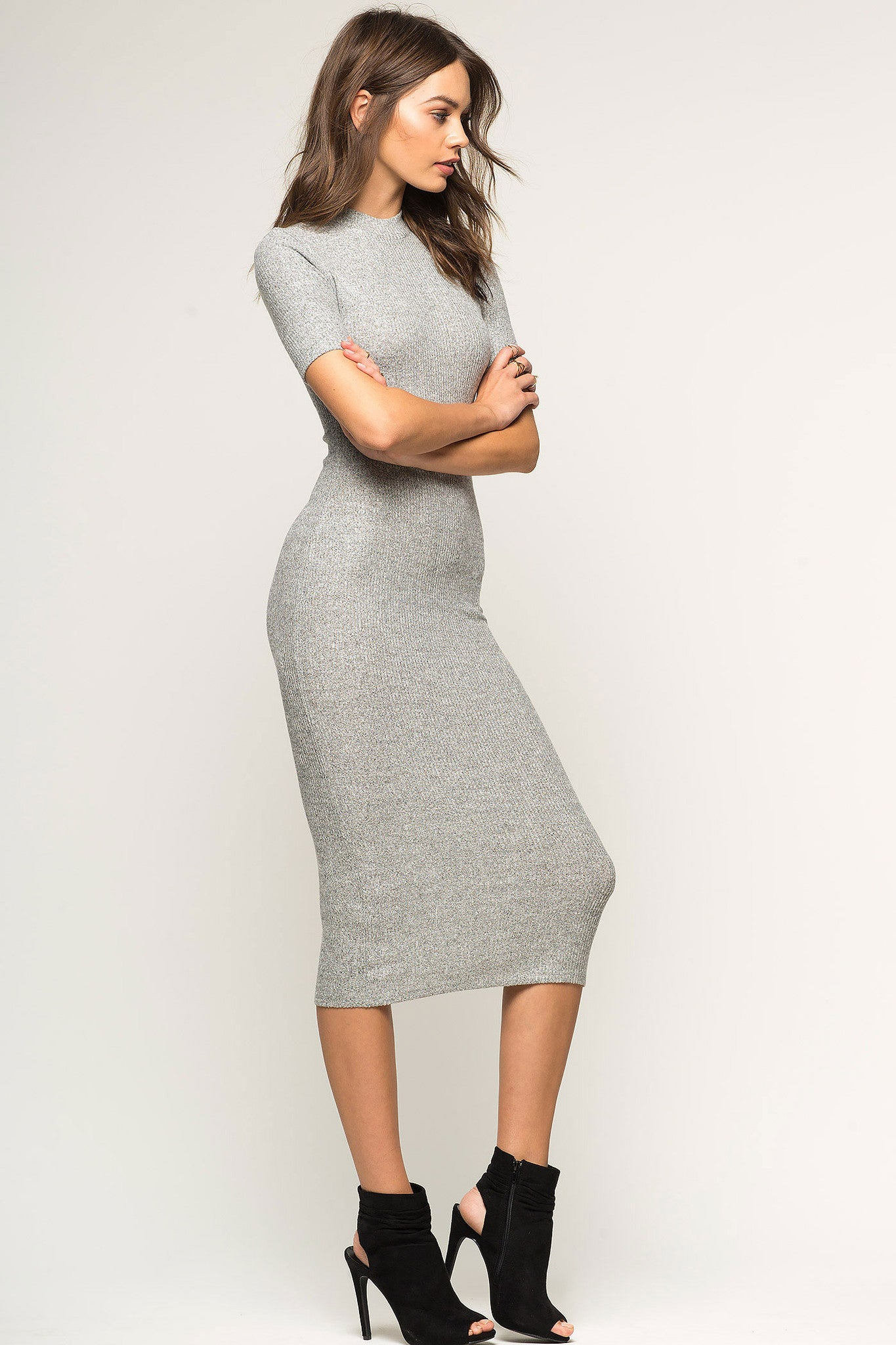 Womens casual street style short sleeve bodycon midi dress in light heather grey. Front view.
