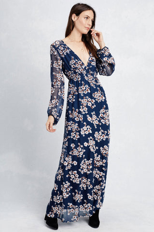 women's long sleeve blue floral print bohemian maxi dress for going out. fall outfit.